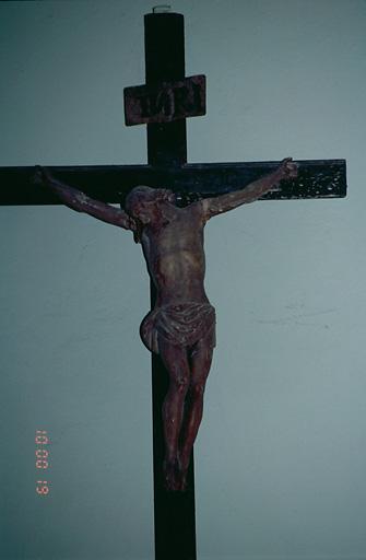 Statuette : Christ en croix (No 2)