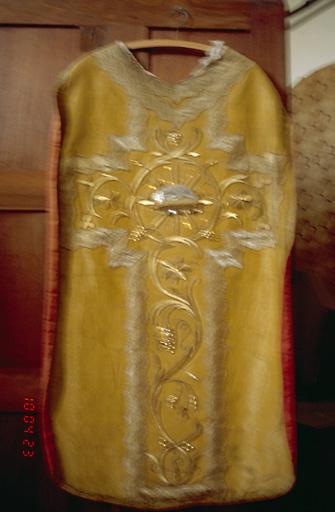 Voile de calice, chasuble, étole (ornement doré) (No 2)