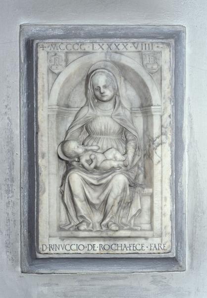 bas-relief : Vierge à l'Enfant