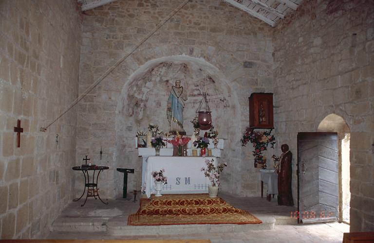 Le mobilier de la chapelle Sainte-Marie, chapelle de l'an mil