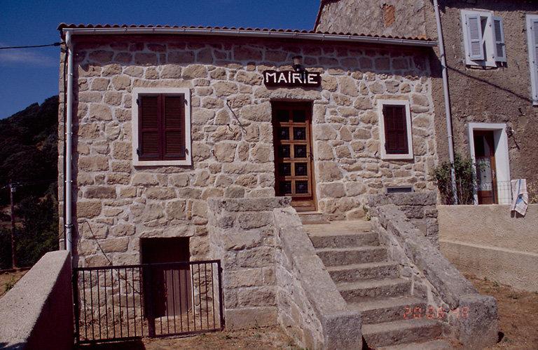 ancienne maison, actuellement mairie