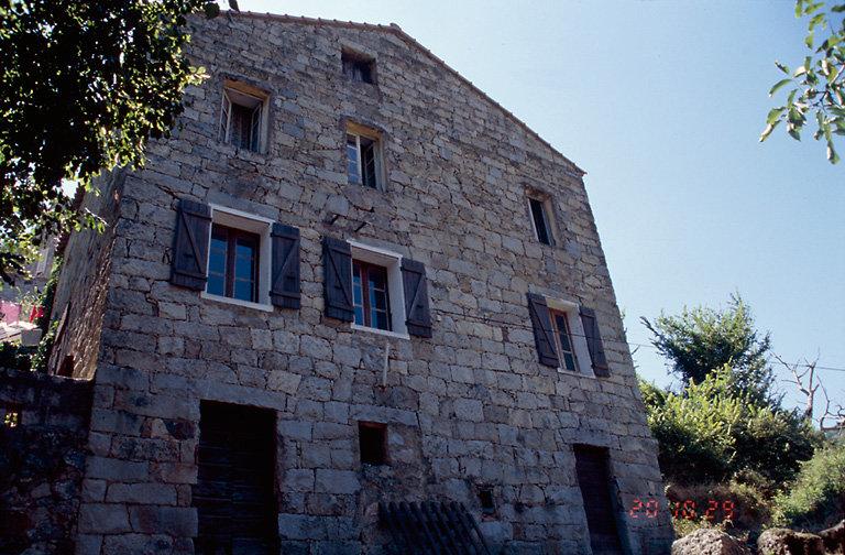 ancien presbytère, ancienne école, actuellement mairie