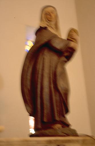 Statue (petite nature, en pendant) : Sainte Claire