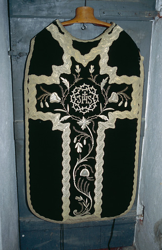 Chasuble, étole (ornement noir)