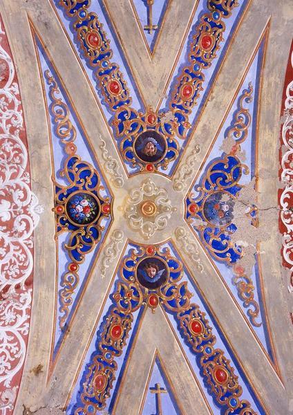 Peintures monumentales : Colombe du Saint-Esprit, ornementation