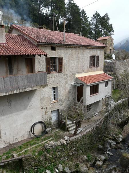 ancien moulin à farine et à huile de la famille Antonietti, actuellement maison