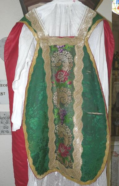 chasuble, étole, voile de calice (ornement vert No 3)