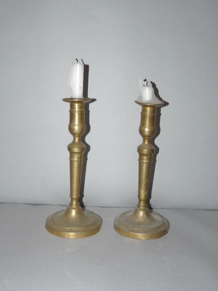 Ensemble de deux chandeliers (flambeaux) No 2