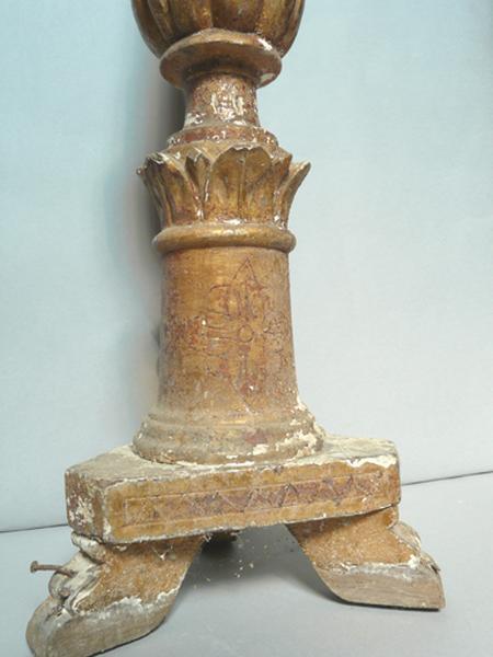 Ensemble de dix chandeliers d'autel et d'un chandelier pascal