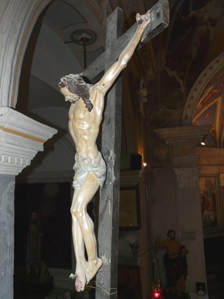statuette : Christ en croix (No 1)