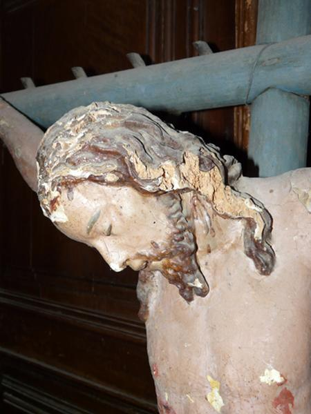 Statue (demi-nature) : Christ en croix (No 3)