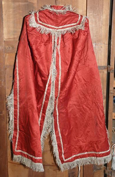 Costume de statue (manteau de statue ?)