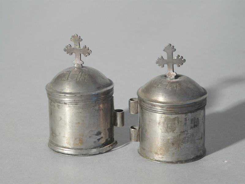 ampoule à huile des catéchumènes et ampoule à saint chrême