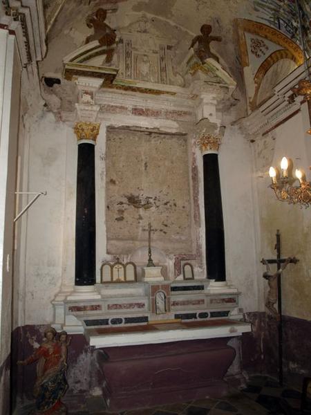 Ensemble de l'autel secondaire du Rosaire