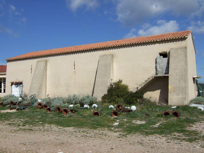 église de confrérie de pénitents Saint-Barthélémy, puis magasin d'artillerie, puis cinéma