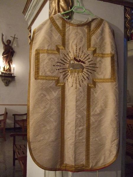 Chasuble, étole, manipule (ornement blanc) (No 1)