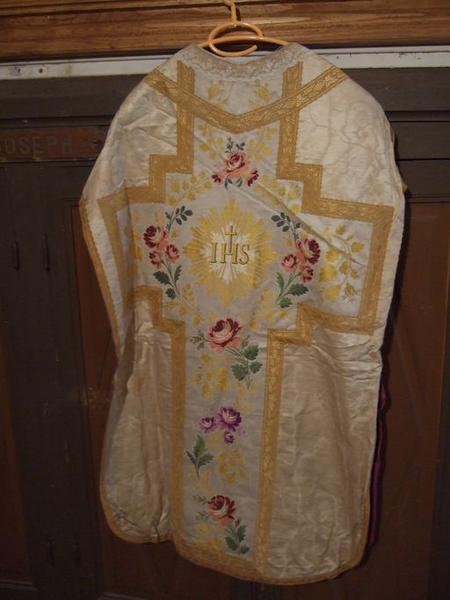 Voile de calice, chasuble, étole, manipule (ornement blanc) (No 3)