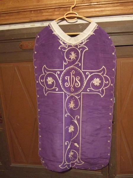 Voile de calice, chasuble, étole (ornement violet)