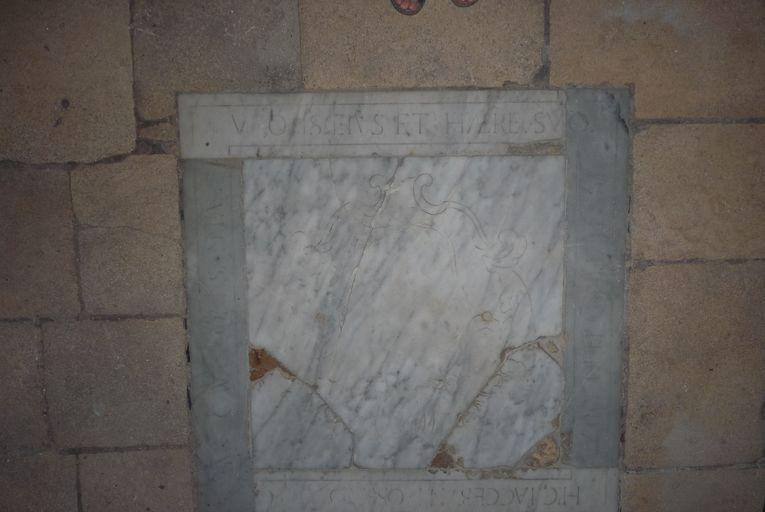Dalle funéraire de la famille Cavalloni