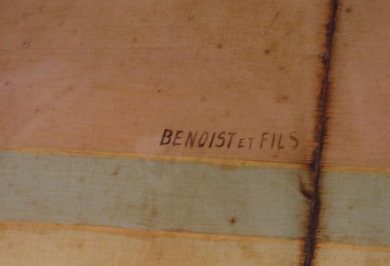 Décor intérieur : plafond : signature Benoist et fils (décorateur)