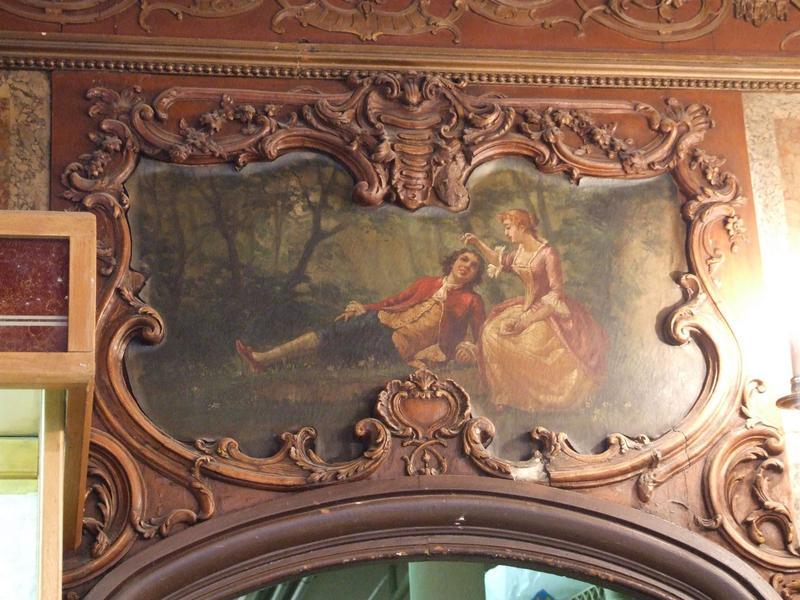Décor intérieur : dessus de porte peint