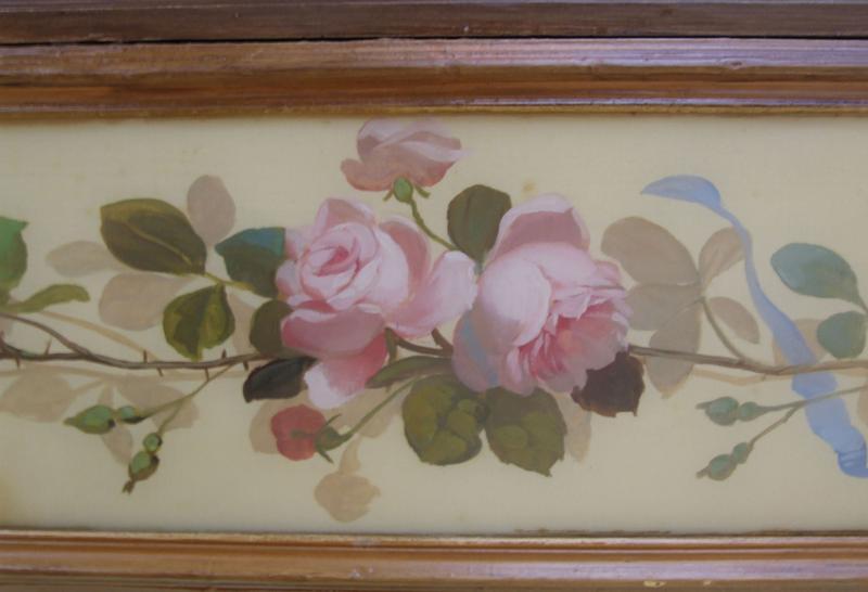 Décor intérieur : plafond : branche de roses