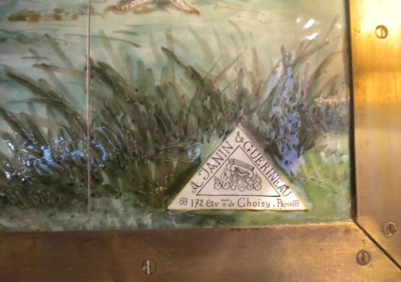Décor intérieur ; panneau de carreaux de céramique ; signature A Janin et Guérineau