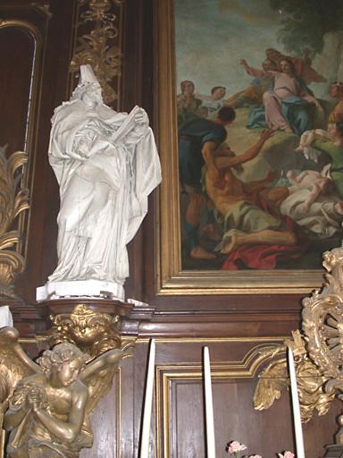 5 statues du maître-autel : saint Nicolas, saint Augustin, paire d'anges adorateurs, Christ en croix