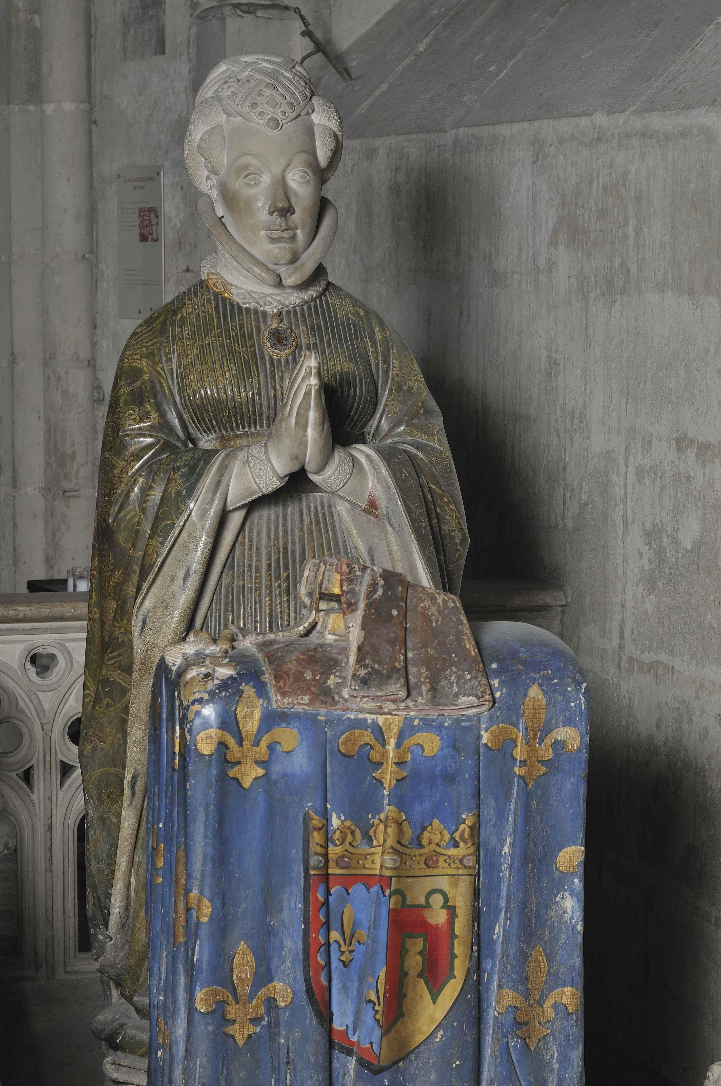 Statues priantes du duc et de la duchesse de Berry