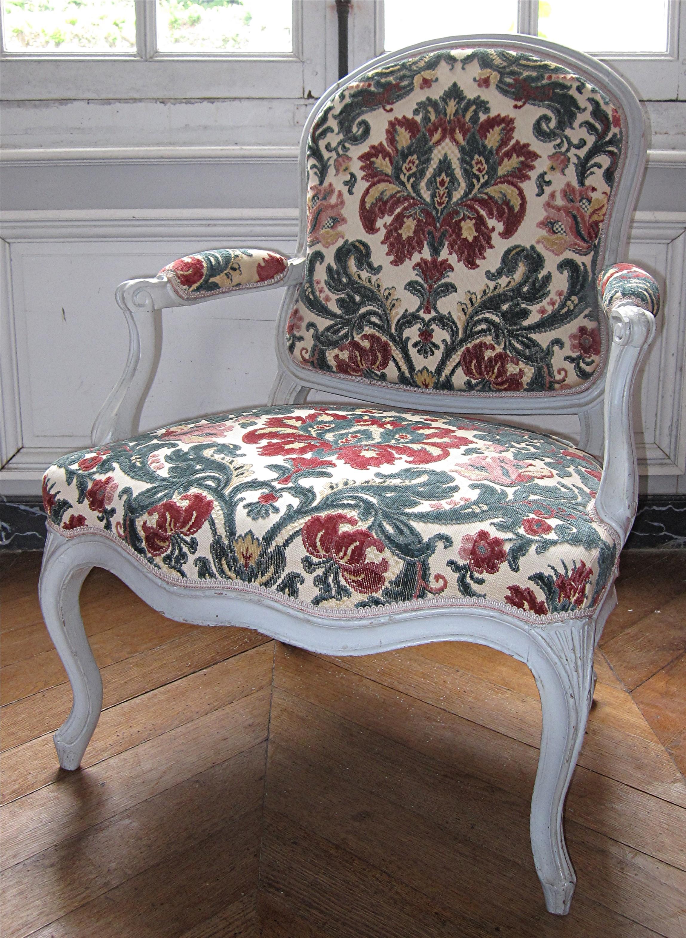 8 fauteuils Louis XV (fauteuils à la reine)