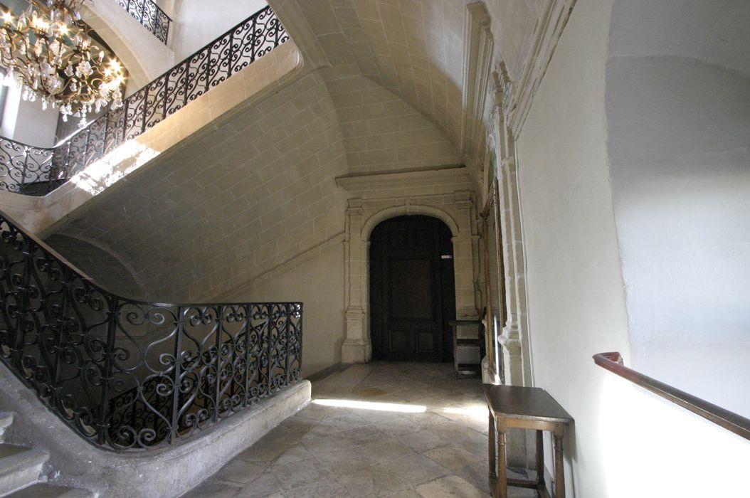 Ancienne abbaye Notre-Dame: Escalier d'honneur, vue partielle