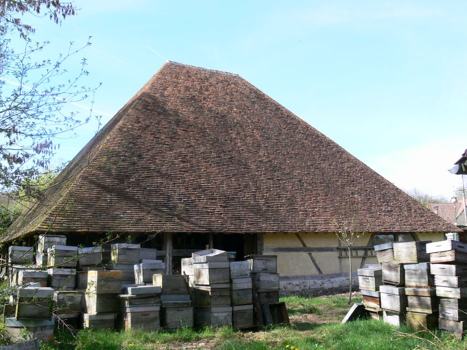 Grange pyramidale de la Fontaine Bénat: Vue générale