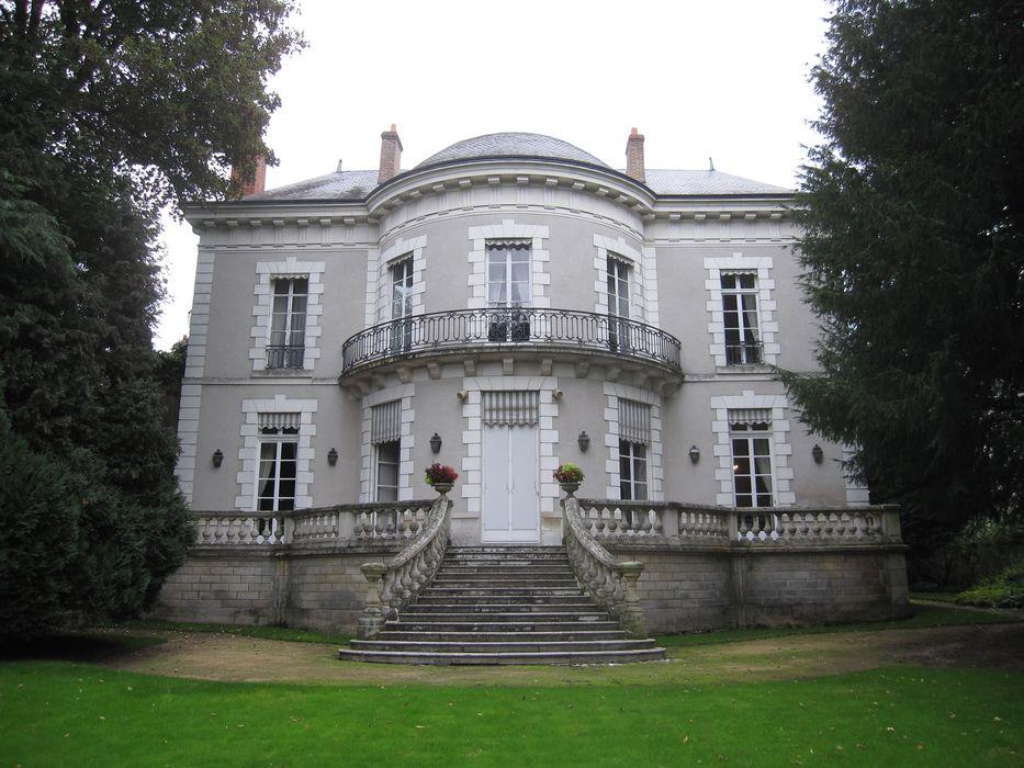 Hôtel Tassin de Montcour: Façade sur jardin, vue générale