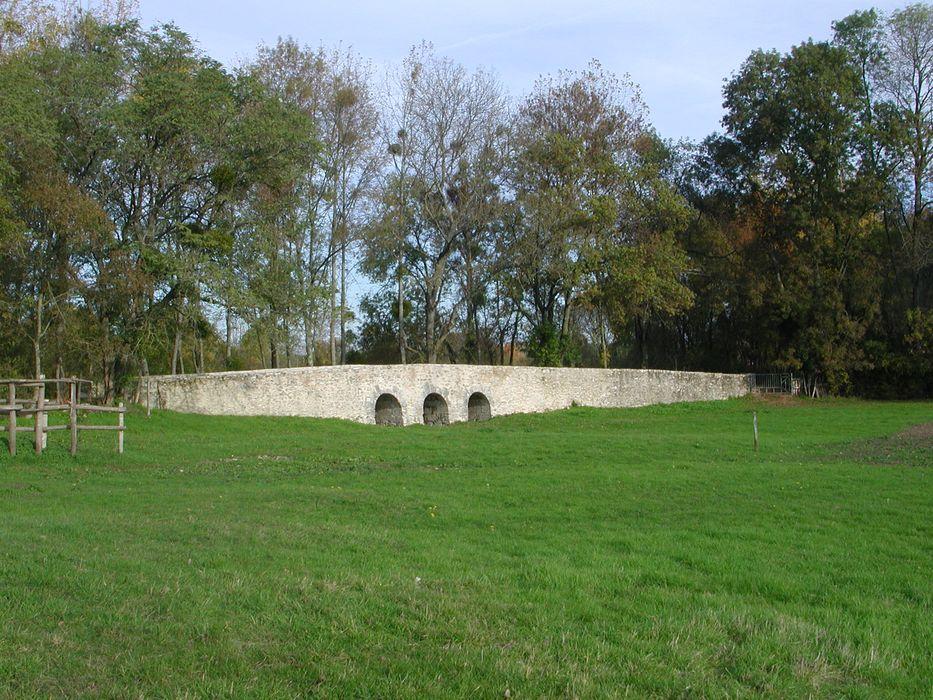 """""""Pont """"Saint-Michel"""" et ponts sur le Cosson dits """"chastrés"""" ou """"chartrains"""" (également sur communes de Saint-Gervais-la-Forêt et Vineuil), vue partielle"""""""