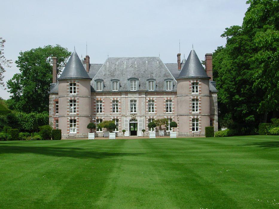 Château: Façade sud, vue générale
