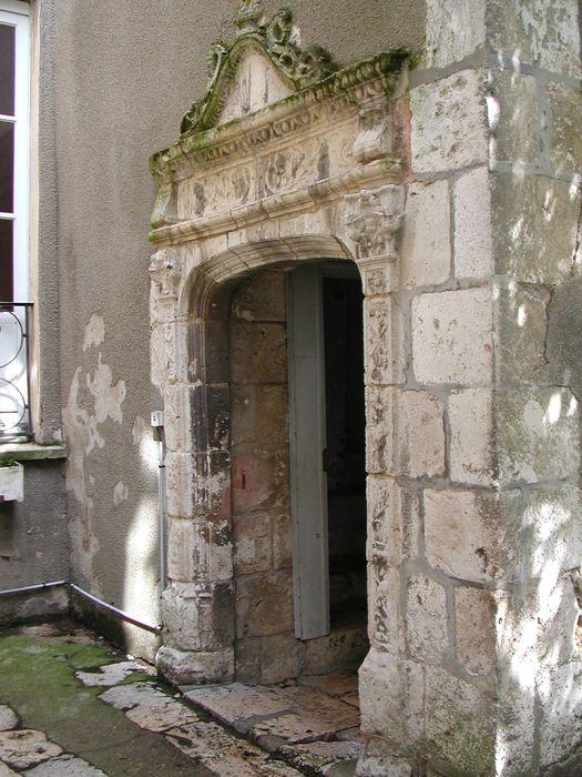 Porte du 16e siècle: Vue générale