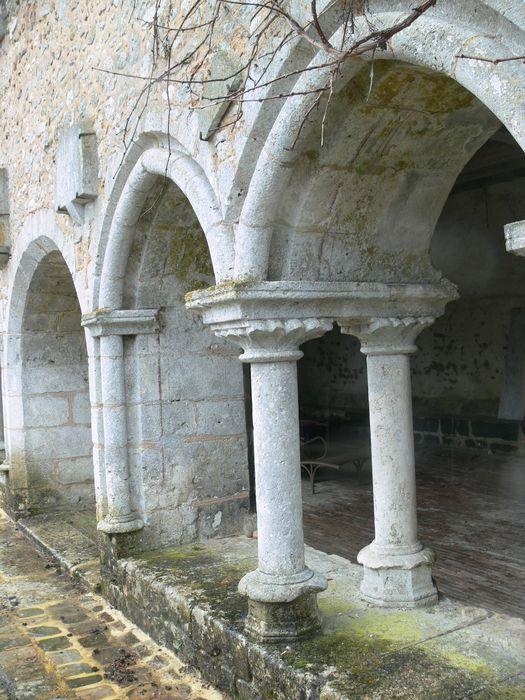 Abbaye cistercienne de l'Eau: Salle capitulaire, façade ouest, détail