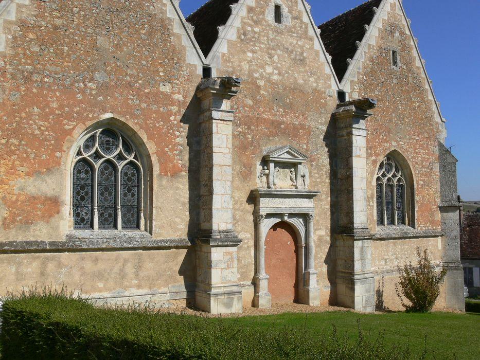 Eglise Notre-Dame: Flanc sud, vue partielle