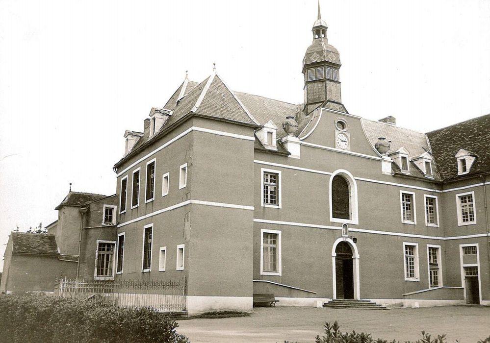 Hôpital Sainte-Reine: Façade sud, vue partielle
