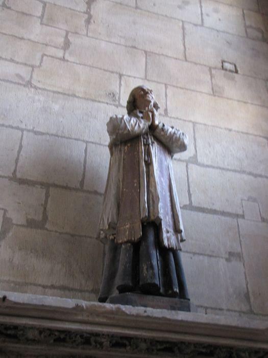 Statue : curé d'Ars