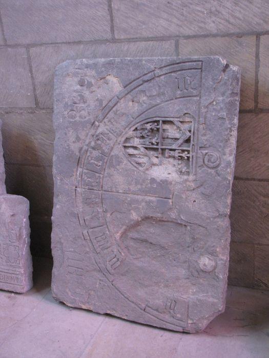 Dalle funéraire d'Eustache du Lys, évêque de Nevers
