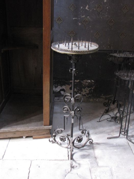 pique-cierges tripode
