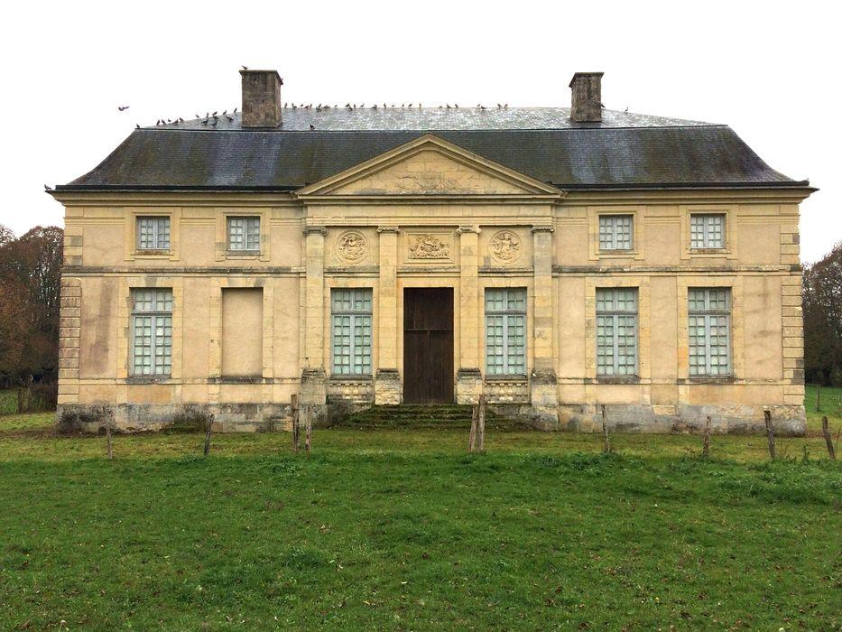 Château des évêques de Nevers (ancien): Façade ouest, vue générale