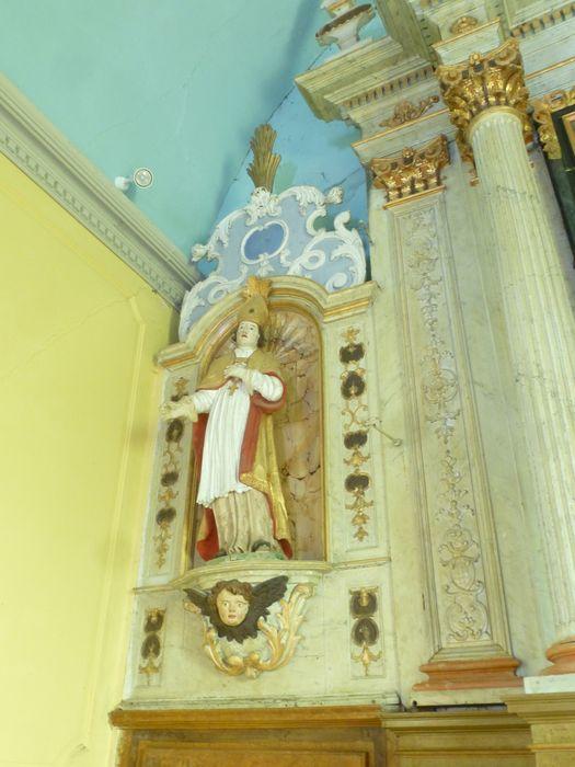 autel, retable, tabernacle, exposition, lambris de revêtement (boiserie), quatre statues (statuettes) :  Saint Martin (?)