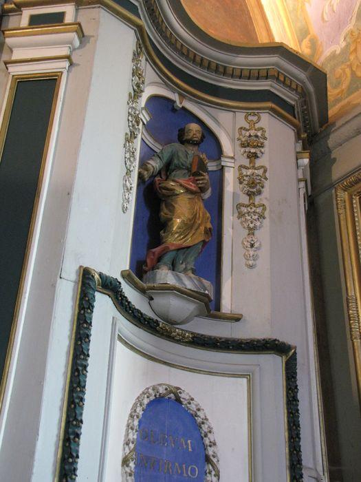 statue : Saint tenant un livre
