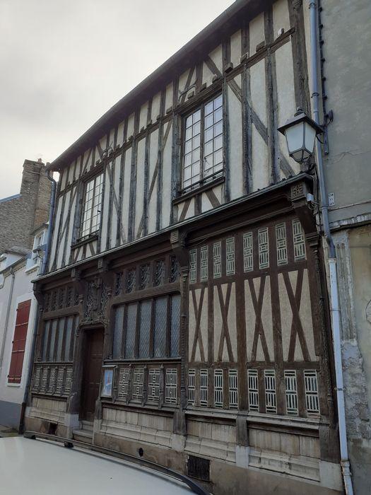 Musée Jean-Cousin: Façade sur rue, vue générale