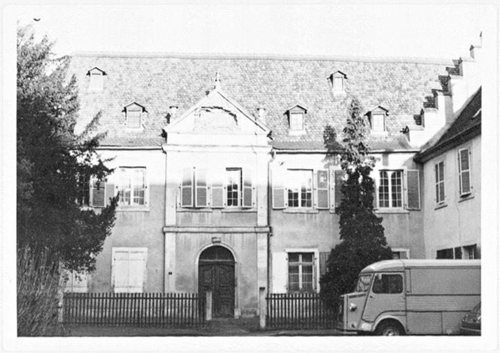 couvent des chartreux, actuels hôpital, musée et maison