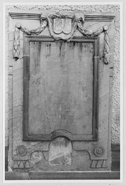 Dalle funéraire d' Elionore Sophie de Geusau, épouse de Philippe Jacques Joham de Mundolsheim