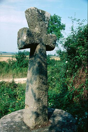 croix de chemin de l'entrée sud
