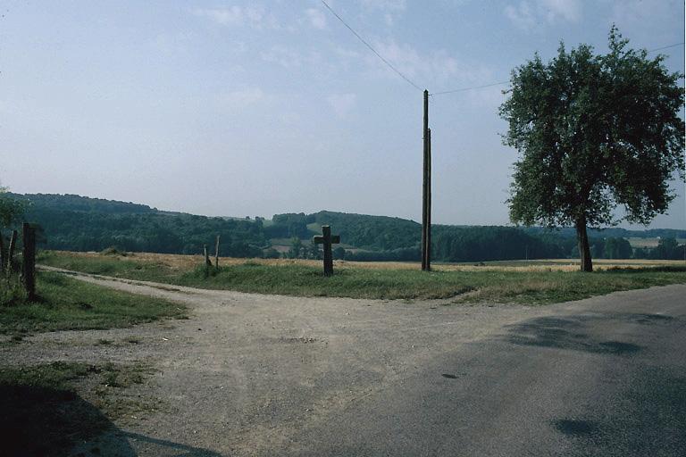 croix de chemin de l'entrée ouest